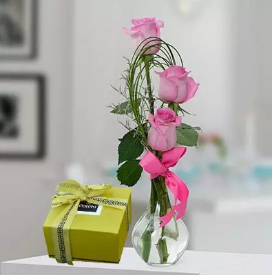 Combo of Roses and Chocoalte
